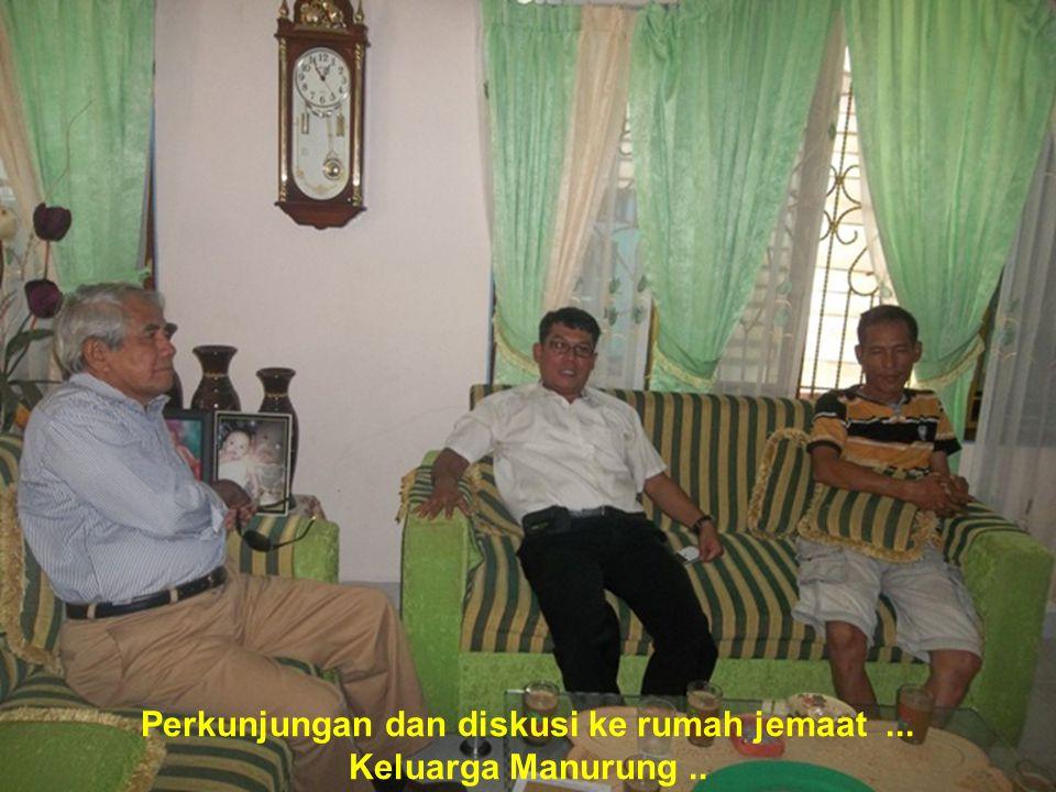 Perkunjungan dan diskusi ke rumah jemaat ...