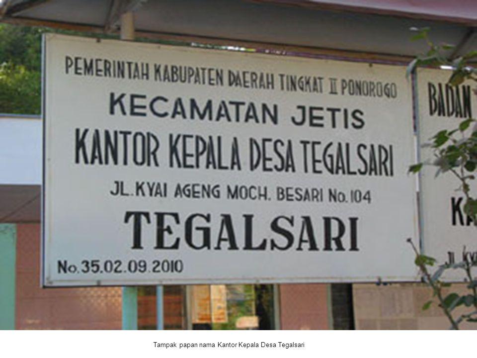 Tampak papan nama Kantor Kepala Desa Tegalsari