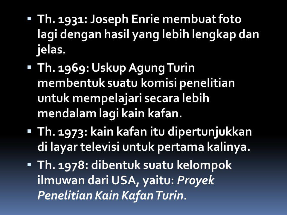 Th. 1931: Joseph Enrie membuat foto lagi dengan hasil yang lebih lengkap dan jelas.