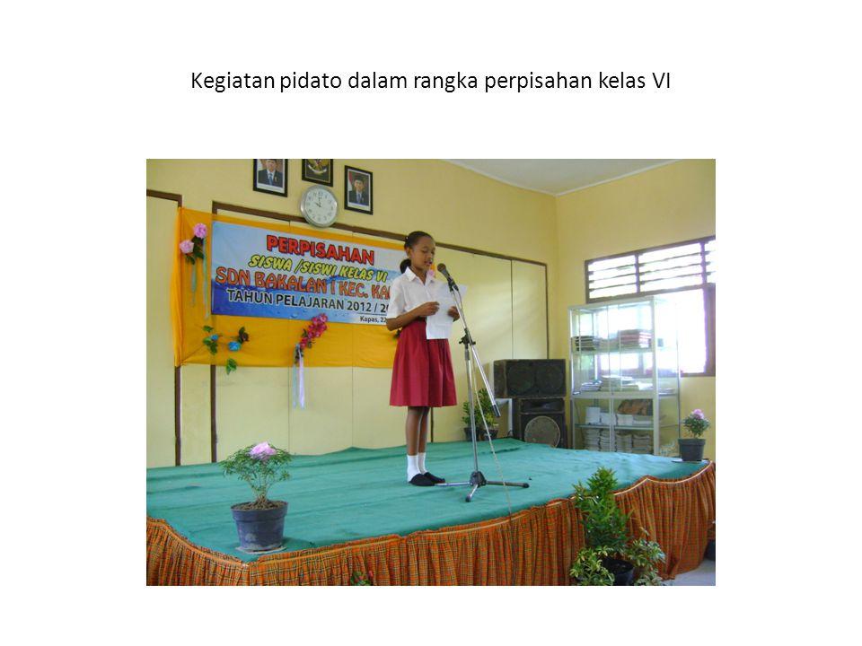 Kegiatan pidato dalam rangka perpisahan kelas VI
