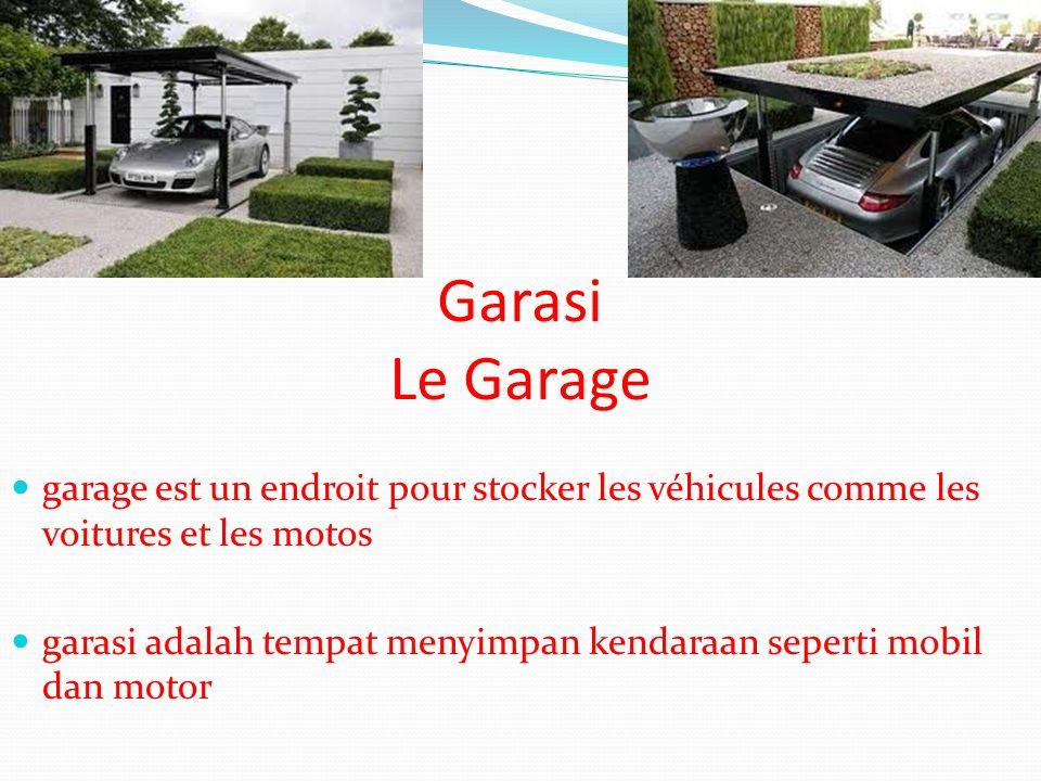 Garasi Le Garage garage est un endroit pour stocker les véhicules comme les voitures et les motos.
