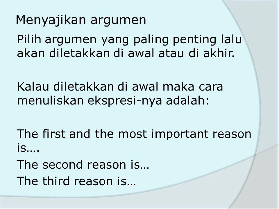 Menyajikan argumen