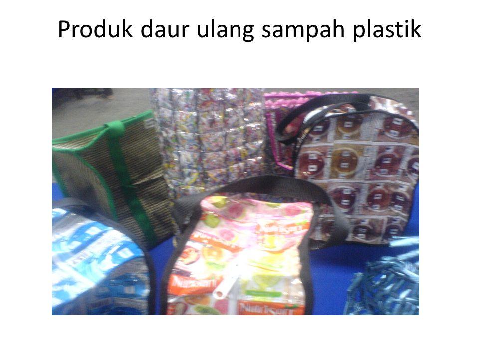 Produk daur ulang sampah plastik