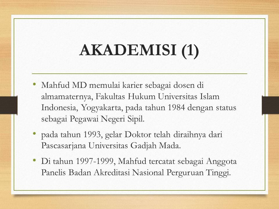 AKADEMISI (1)