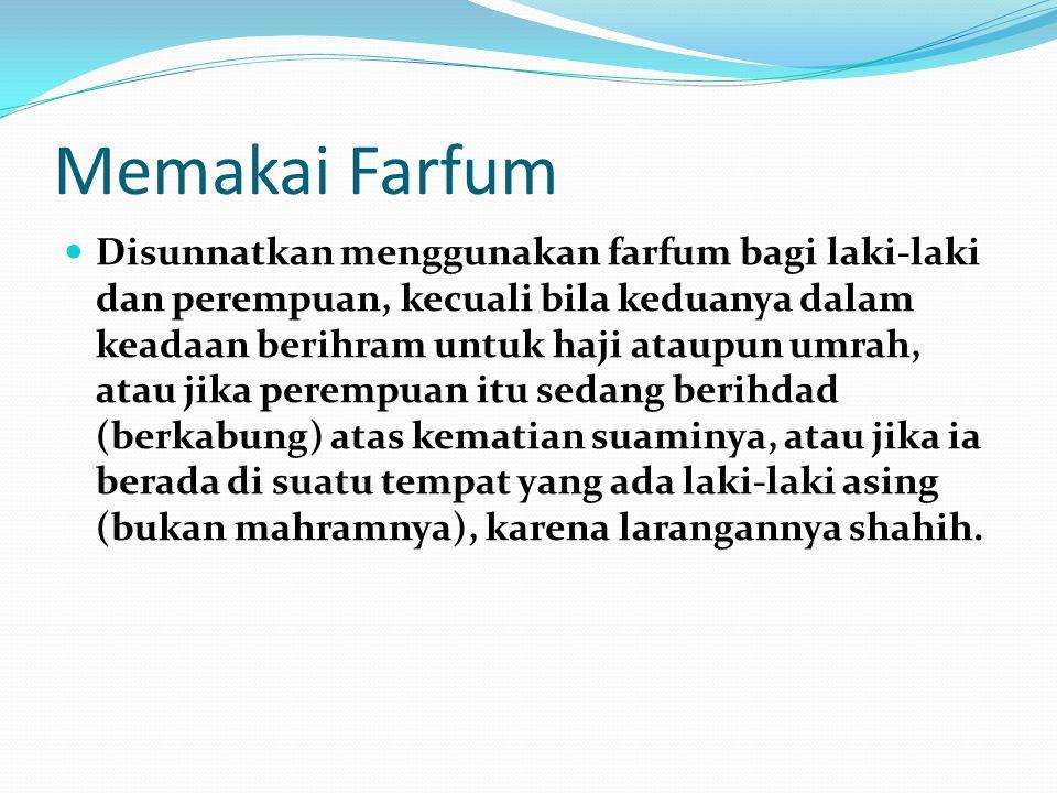 Memakai Farfum