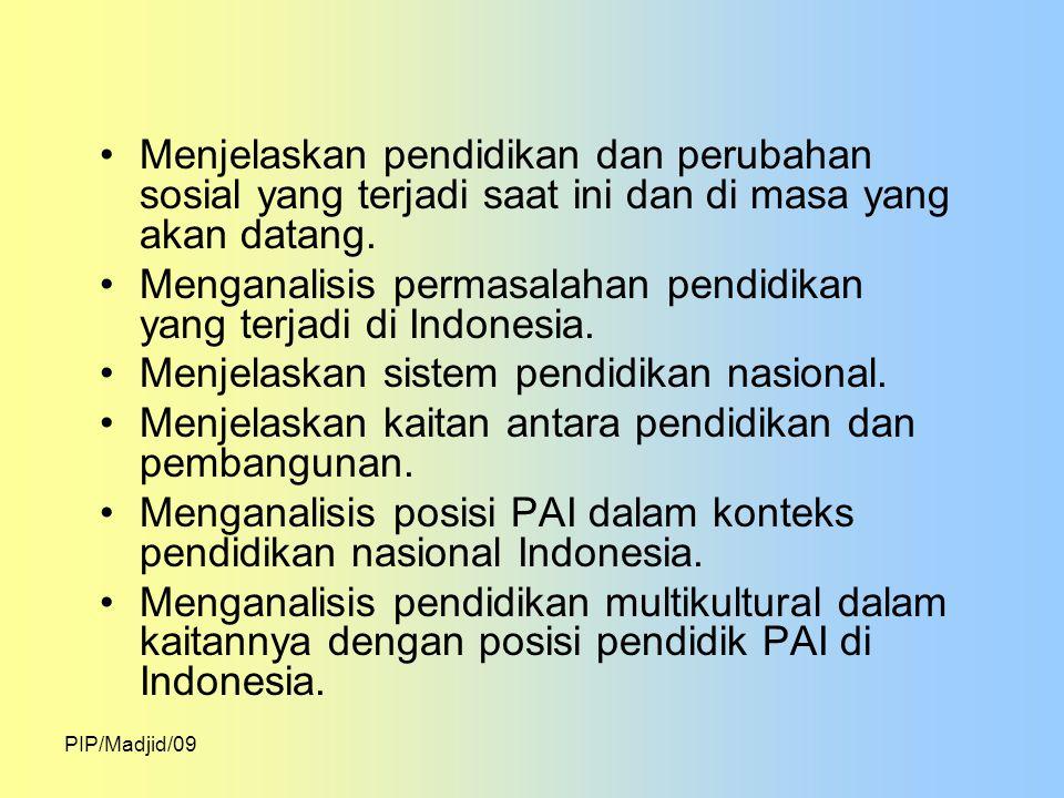 Menganalisis permasalahan pendidikan yang terjadi di Indonesia.