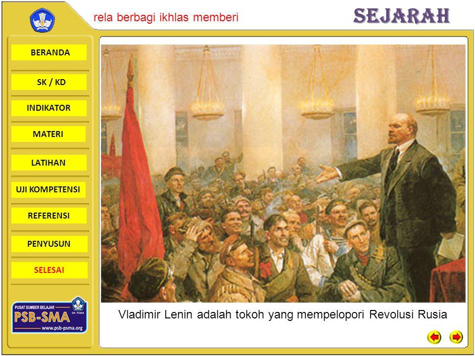 Vladimir Lenin adalah tokoh yang mempelopori Revolusi Rusia