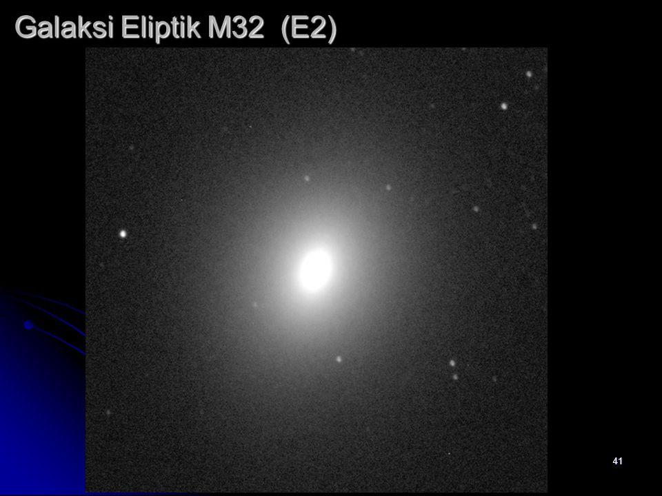 Galaksi Eliptik M32 (E2)