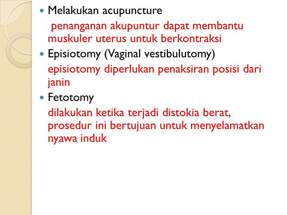 Melakukan acupuncture