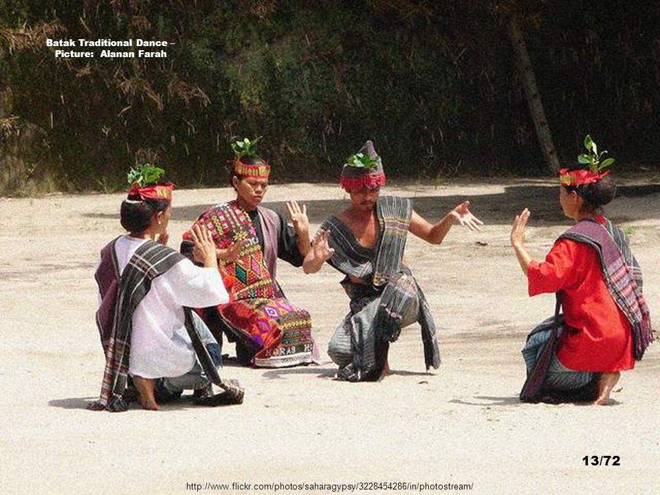 Batak Traditional Dance – Picture: Alanan Farah