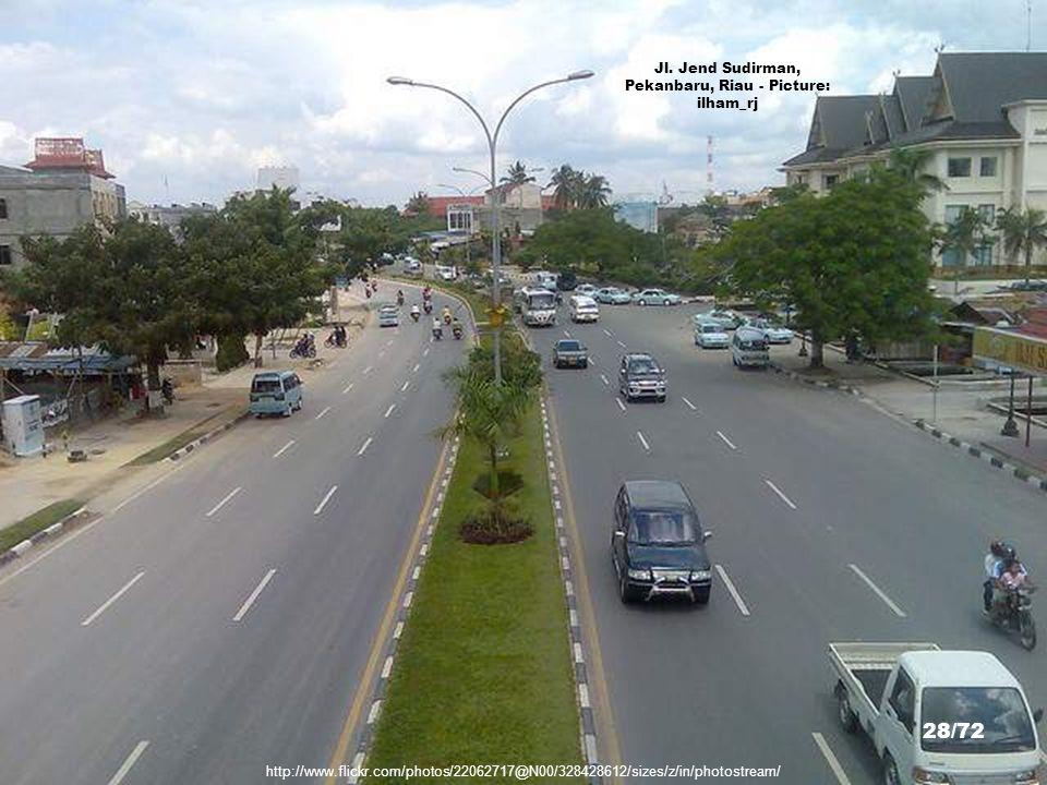 Jl. Jend Sudirman, Pekanbaru, Riau - Picture: ilham_rj
