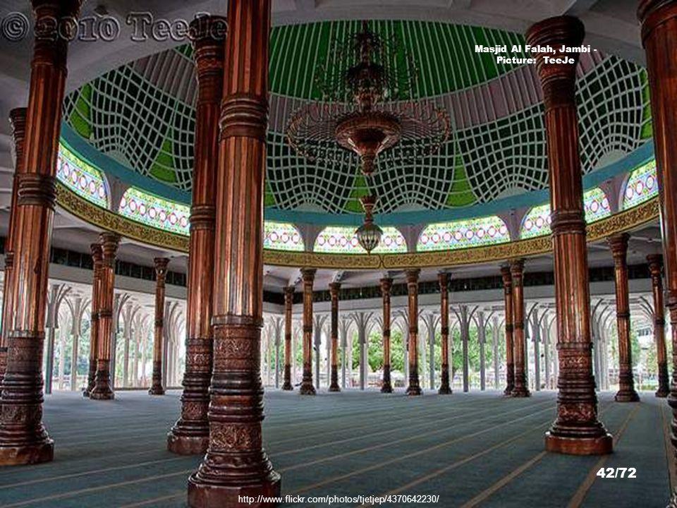 Masjid Al Falah, Jambi - Picture: TeeJe