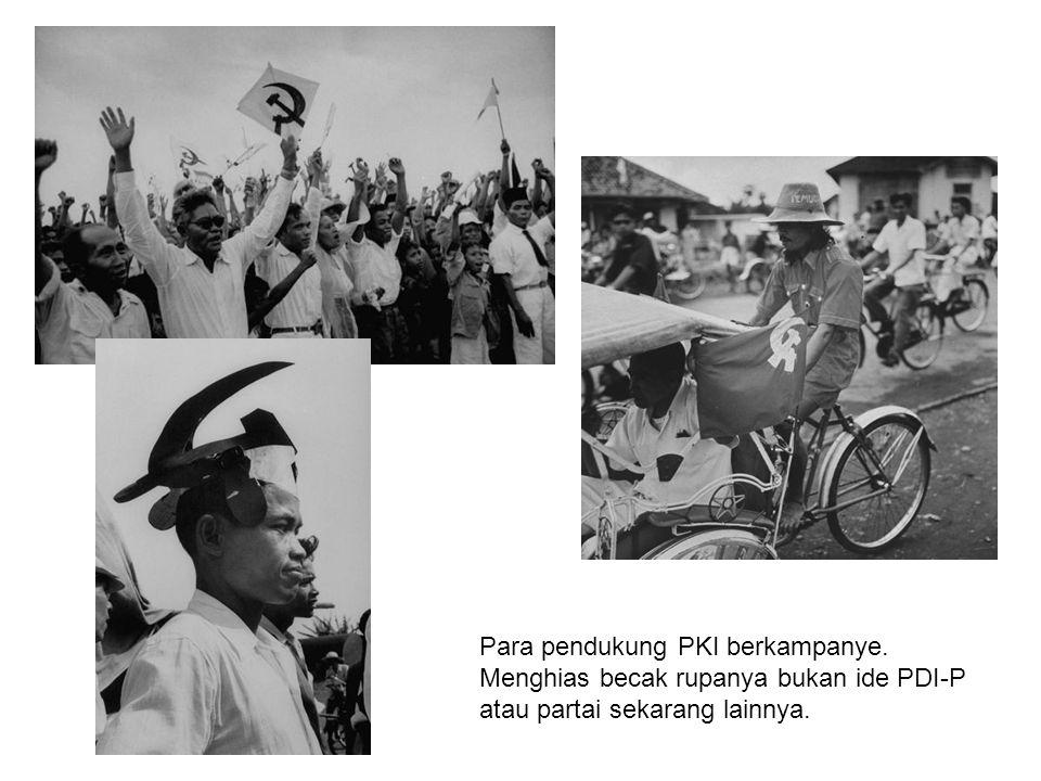 Para pendukung PKI berkampanye