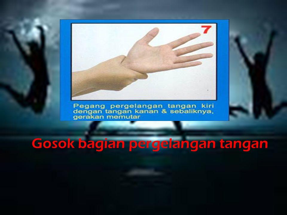 Gosok bagian pergelangan tangan
