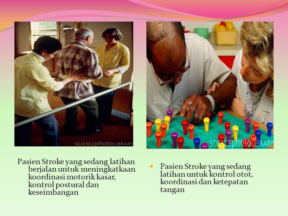 Pasien Stroke yang sedang latihan untuk kontrol otot, koordinasi dan ketepatan tangan