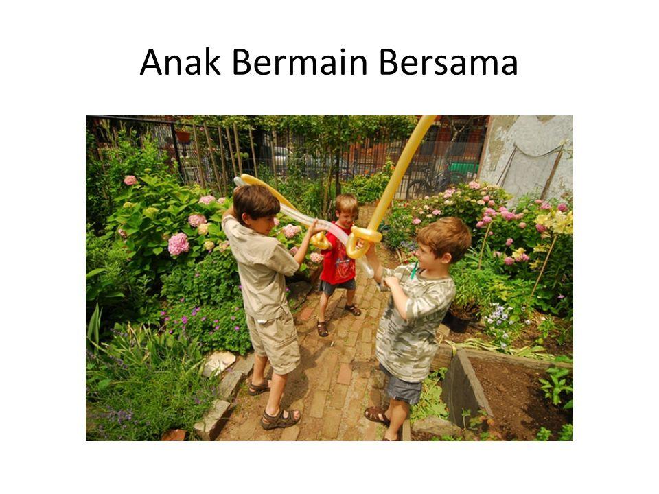 Anak Bermain Bersama