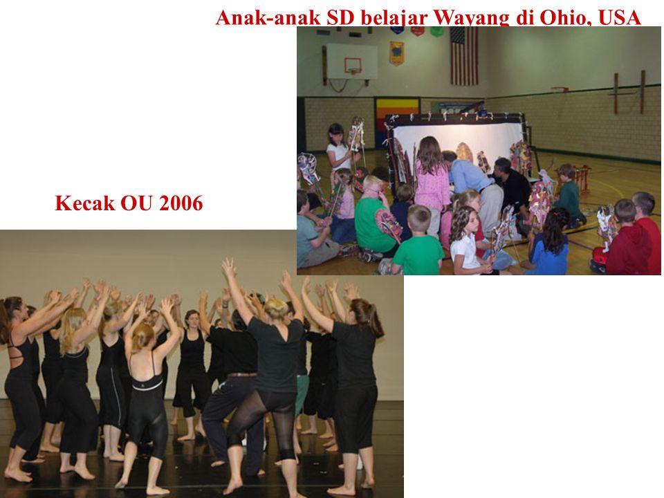 Anak-anak SD belajar Wayang di Ohio, USA