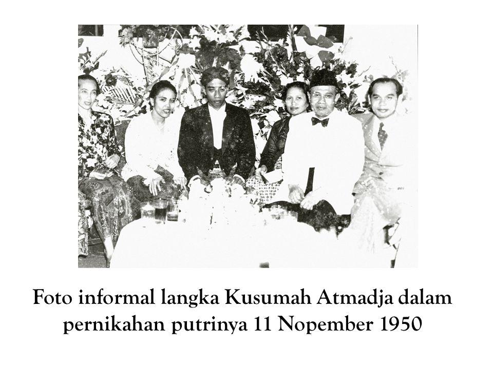 Foto informal langka Kusumah Atmadja dalam pernikahan putrinya 11 Nopember 1950