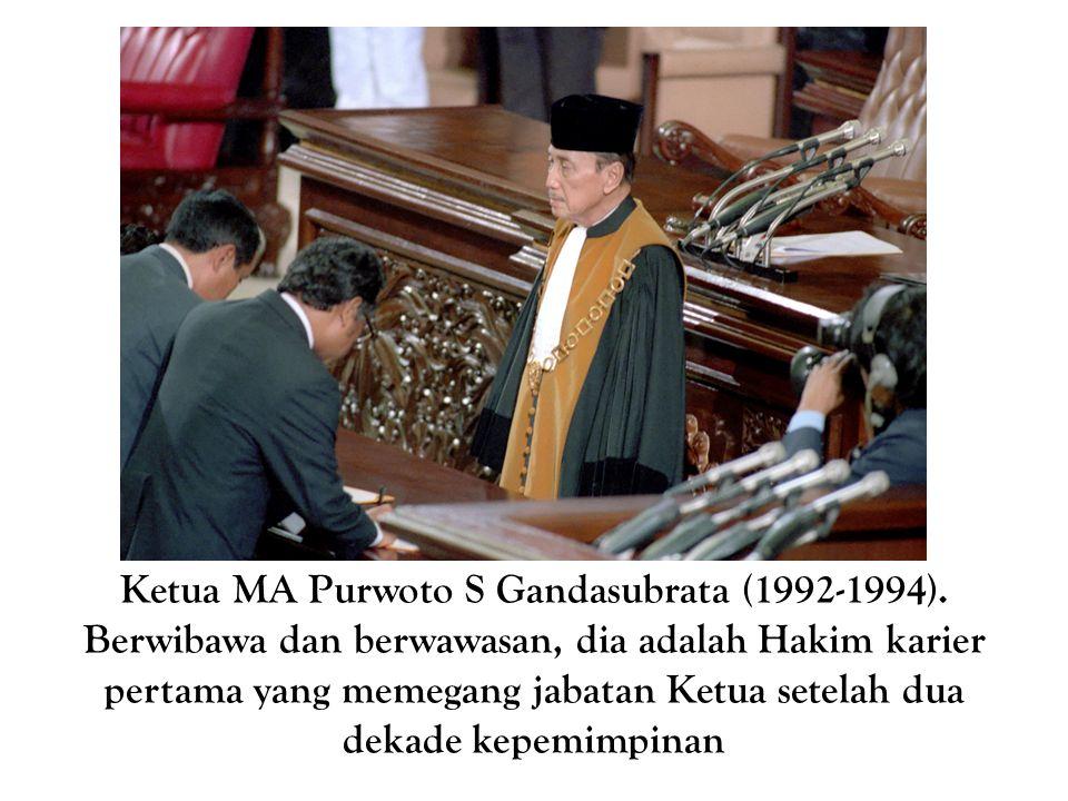 Ketua MA Purwoto S Gandasubrata (1992-1994)