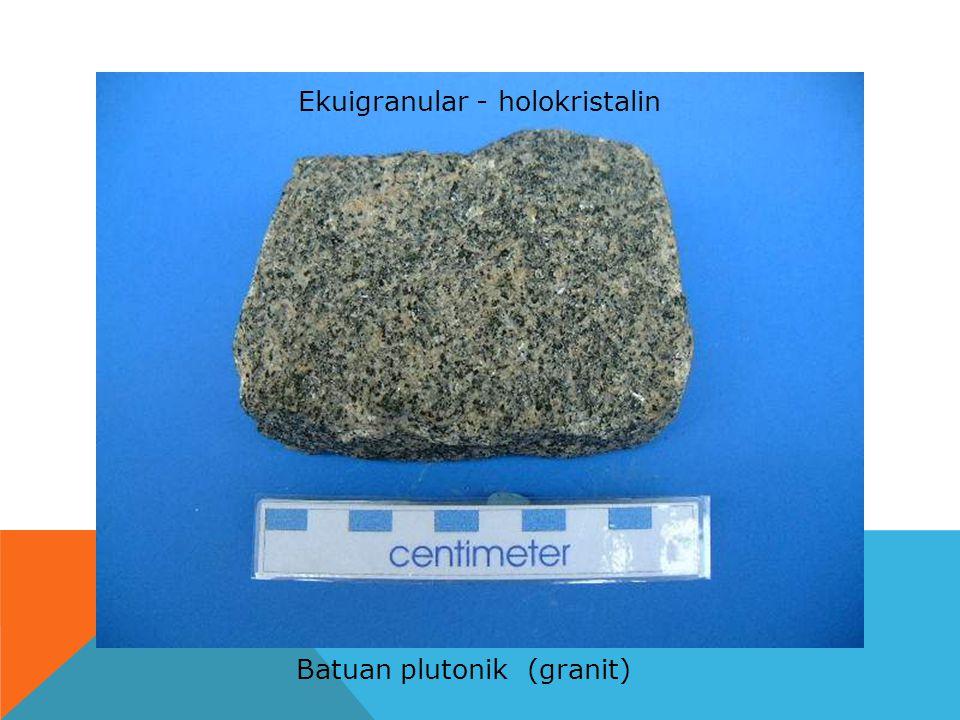 Ekuigranular - holokristalin