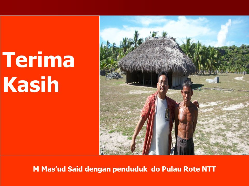 M Mas'ud Said dengan penduduk do Pulau Rote NTT